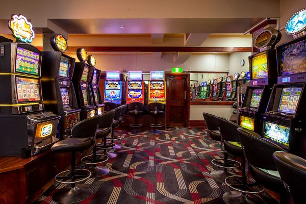 portside-tavern-gaming